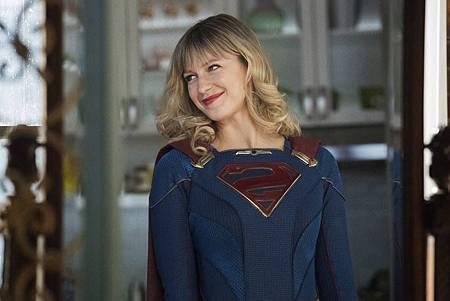 Supergirl 5×19 (3).jpg