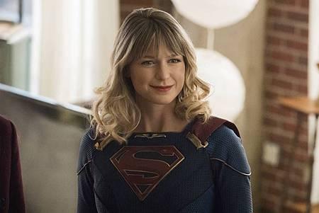 Supergirl 5×19 (5).jpg