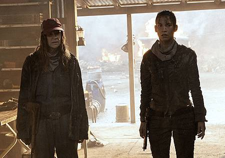 Fear The Walking Dead S6 (6).jpg