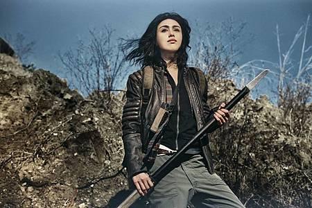 The Walking Dead World Beyond Promotional Cast Photos (6).jpg