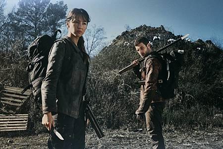 The Walking Dead World Beyond Promotional Cast Photos (7).jpg