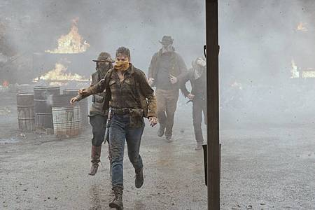 Fear The Walking Dead S6 (13).jpg