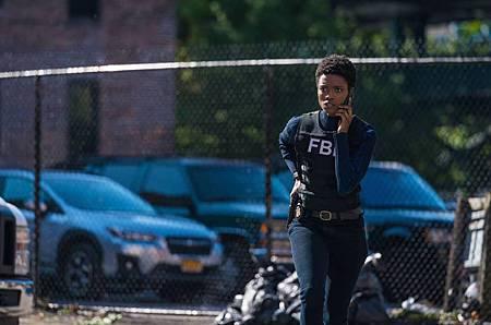 FBI 3×1 (7).jpg