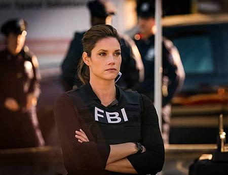 FBI 3×1 (16).jpg