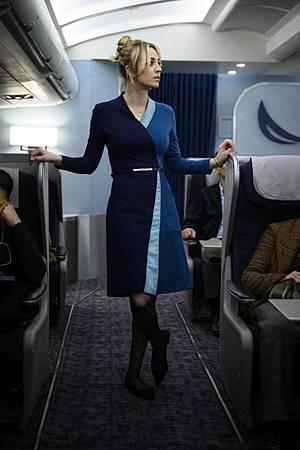 The Flight Attendant 1×1 (1).jpg
