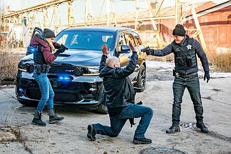 Chicago PD 8×7 (5).jpg