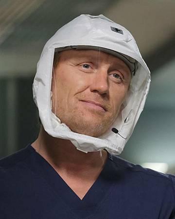 Grey's Anatomy 17×7 (15).jpg