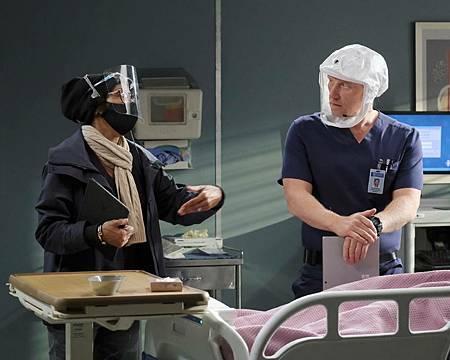 Grey's Anatomy 17×7 (16).jpg