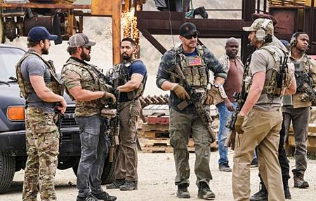 SEAL Team 4x12-06.jpg