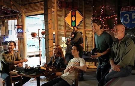 Walker 1x10-05.jpg