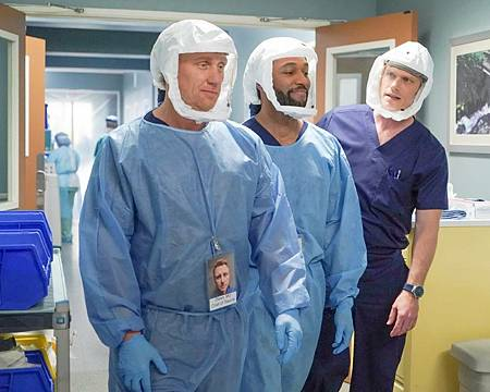 Grey's Anatomy 17×15 (4).jpg