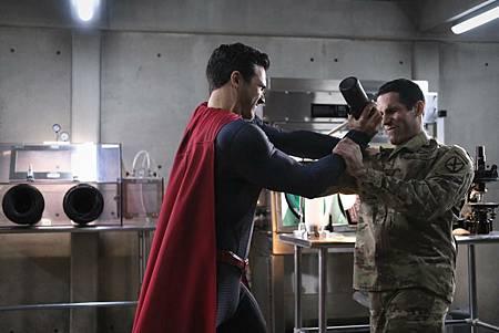 Superman & Lois 1×8 (1).jpg
