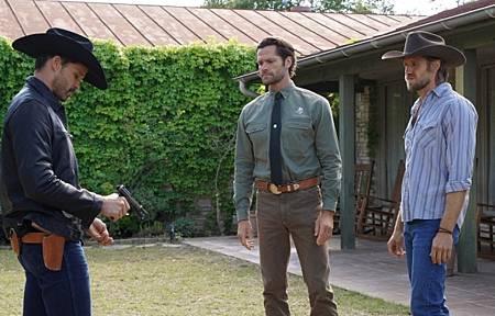Walker 1x13-01.jpg