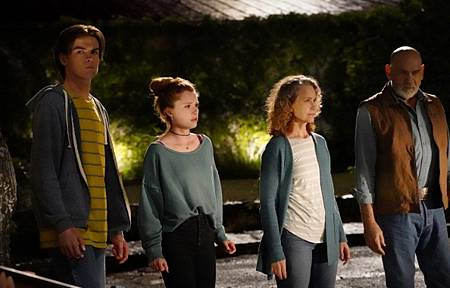 Walker 1x13-15.jpg