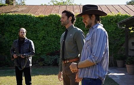 Walker 1x13-02.jpg