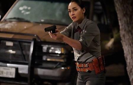 Walker 1x13-14.jpg