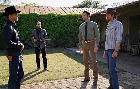 Walker 1x13-05.jpg