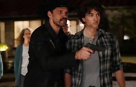 Walker 1x13-10.jpg