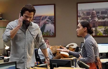 Walker 1x15-08.jpg
