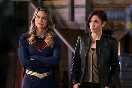 Supergirl 6×8 (5).jpg