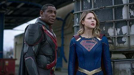 Supergirl 6×9 (11).jpg