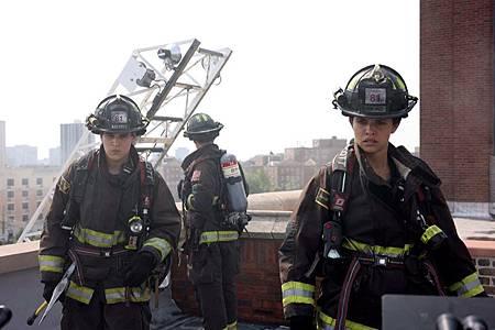 Chicago Fire 10×1 (19).jpg