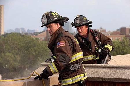 Chicago Fire 10×1 (21).jpg