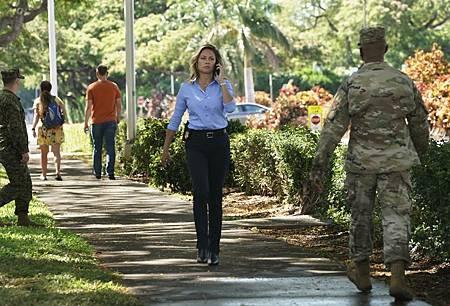NCIS Hawaii 1×1 (7).jpg