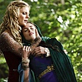 Merlin-S02E12-The-Fires-of-Idirsholas-Promo-Image-3_tn.jpg