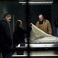 THE-KILLING-AMC-The-Cage-Episode-2-2_tn.jpg
