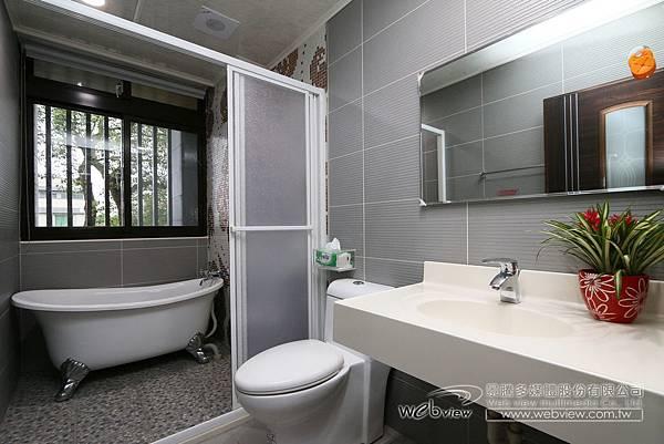 4人衛浴.jpg