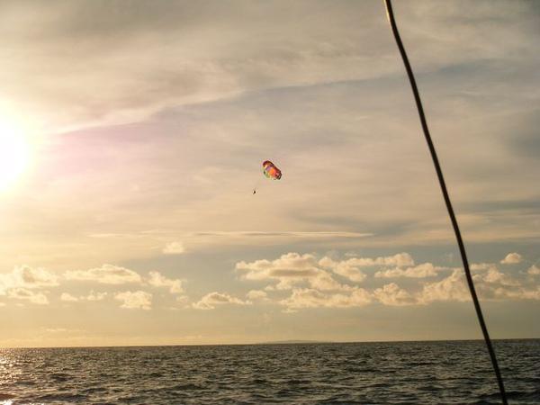 水上拖曳傘