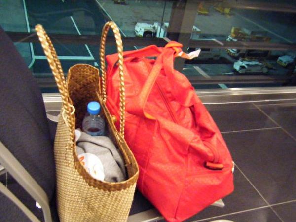 回程行李多了大手提包