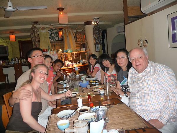合照(由左至右 )Oceane,Joseph,琪琪,我,Kelly,詩翔,Lily,Philippe.JPG
