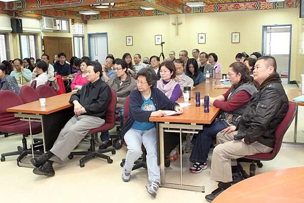 鄭志明教授於輔仁大學宗教系舉辦20110313身心靈生命教育對談會004.jpg