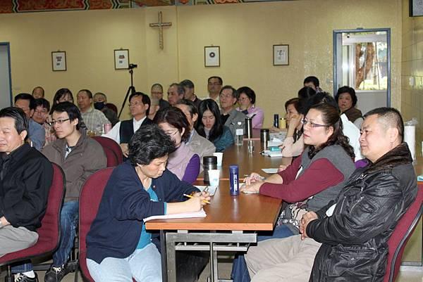 鄭志明教授於輔仁大學宗教系舉辦20110313身心靈生命教育對談會007.jpg
