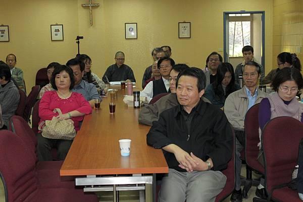 鄭志明教授於輔仁大學宗教系舉辦20110313身心靈生命教育對談會008.jpg