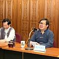 鄭志明教授於輔仁大學宗教系舉辦20110313身心靈生命教育對談會011.jpg