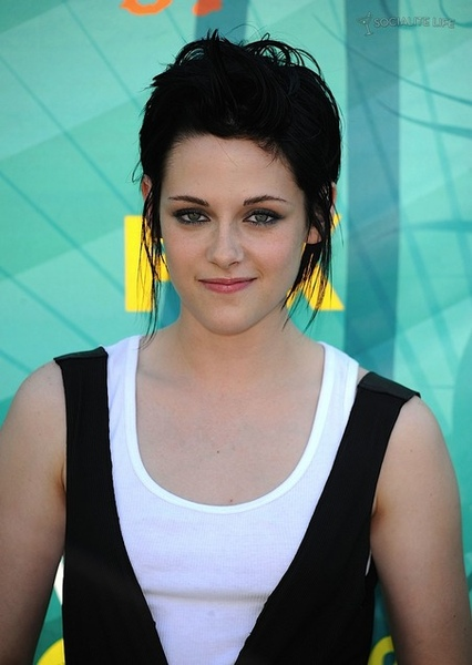 Kristen Stewart_Teen Choice Award 2009.jpg