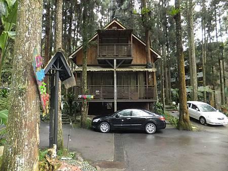 溪頭妖怪村內的住宿小木屋