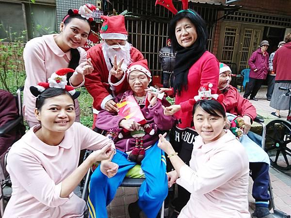 108-12-24聖誕節與社區同樂_191226_0021.jpg