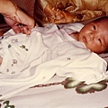 Aki出生8天