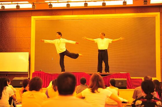 201505-邱顯峰深圳脈輪與勝王瑜伽師資培訓班精采回憶2-3