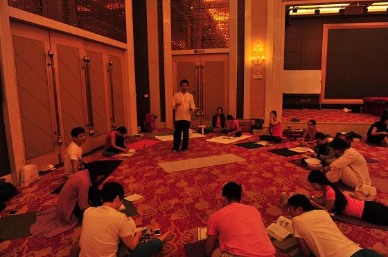 201505-邱顯峰深圳脈輪與勝王瑜伽師資培訓班精采回憶2-55