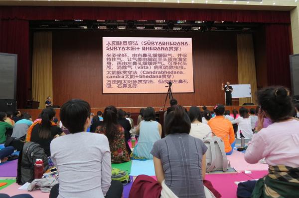 邱顯峰昆明瑜伽呼吸法與身印法教師認證班精采回憶2-18