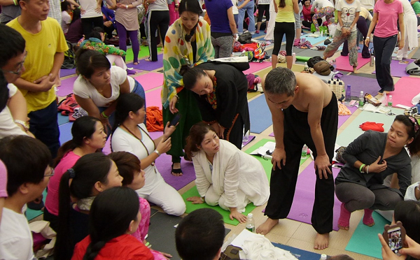 邱顯峰昆明瑜伽呼吸法與身印法教師認證班精采回憶2-22