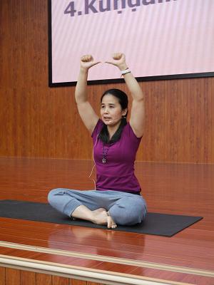 邱顯峰昆明瑜伽呼吸法與身印法教師認證班精采回憶2-39