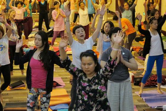 201607邱显峰黄山脉轮与胜王瑜伽中级教师认证班精采回忆3-39