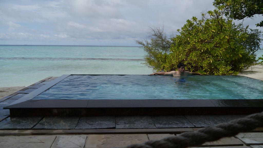 沙灘屋外的泳池&無敵海景