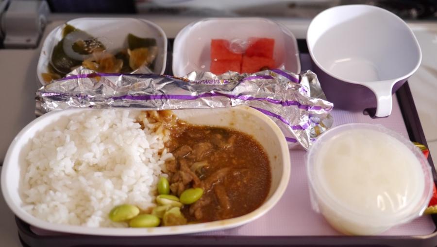 機上餐~不難吃